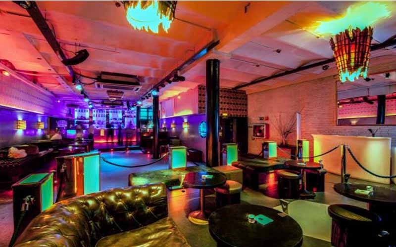 Discover the nightlife of Barcelona with only one ticket. Get unlimited access to 24 nightclubs and visit the greatest parties at La Terrazza in Barcelona.